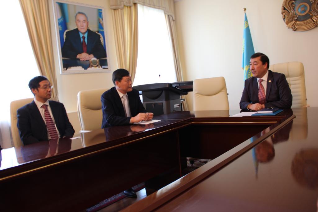 王选东书记带队访问哈萨克斯坦国立农业大学